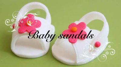 Modelage sandales bébé pate a sucre